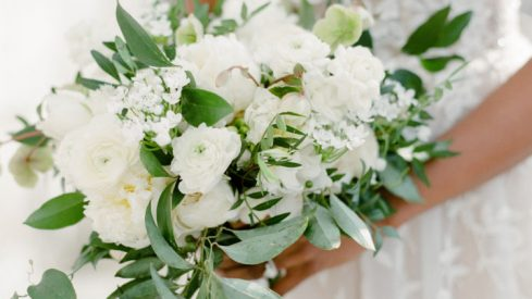 A Complete Breakdown of What Wedding Day Flowers Cost